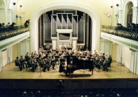 Eddy Vanoosthuyse as a guest conductor with the Lithuanian Band of the Honour Guard (Gershwin, Rhaps