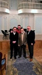 Een deel van de jury van de 'International Clarinet Competition' in het 'Tchaikovsky Conservatory' Moskou met de legendarische fagottist Valeri Popov (Rachmaninov Hall)